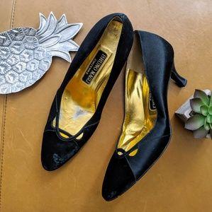 Bruno Magli vintage black velvet satin court heels